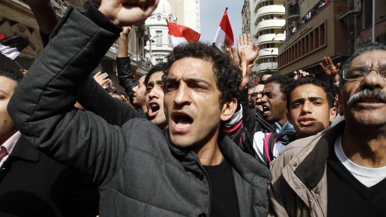 """عمرو واكد يتمسك بمهنة التمثيل: """"أسيب سكارليت وأشتغل سياسي؟"""""""
