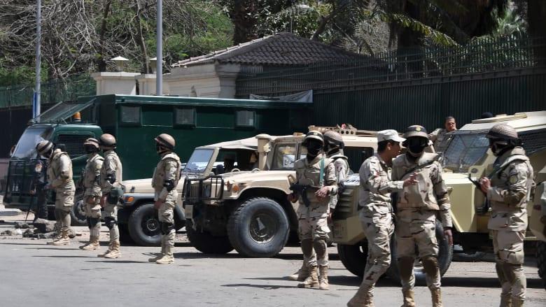 بعد يومين على نتائج استفتاء تعديلات الدستور.. السيسي يمدد حالة الطوارئ