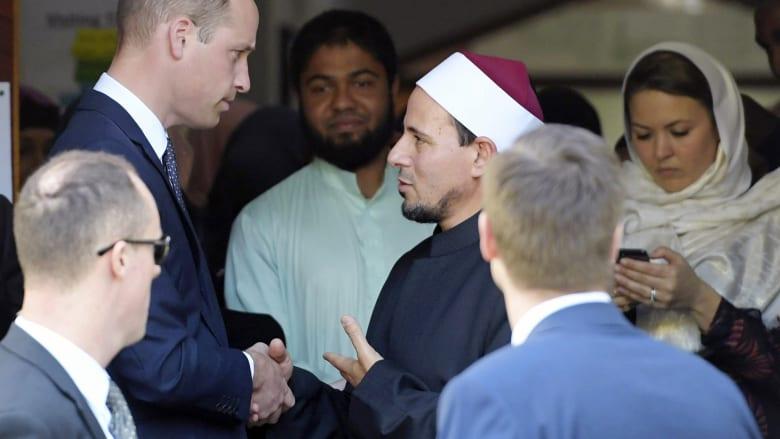 الأمير ويليام في مسجد النور: الإرهابي فشل في زرع الانقسام