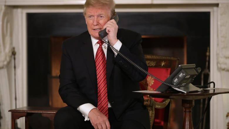 مذيعة تكافح لإسكات ترامب بعد عدم توقفه عن الحديث ببث مباشر