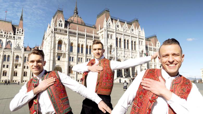 أسرع راقصين شعبيين في العالم.. هل يمكنك متابعتهم؟