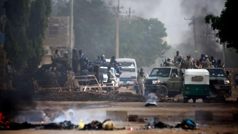 """اتحاد الأطباء يكشف حصيلة قتلة """"مجزرة القيادة العامة"""" ويتهم الأمن برمي الجثث في النيل"""