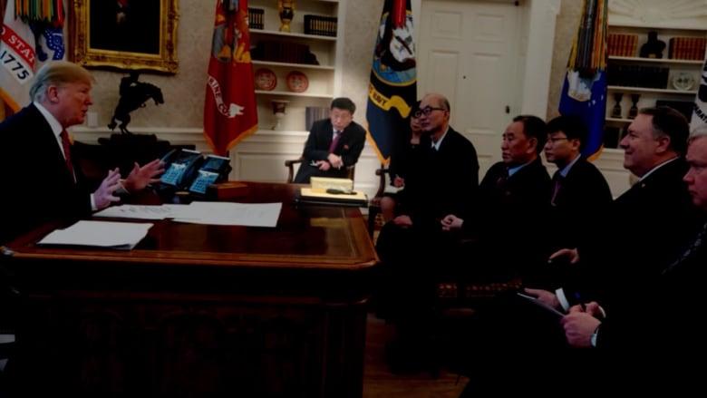 بعد أنباء إعدامه.. مسؤول كوري شمالي يظهر بجانب كيم جونغ أون