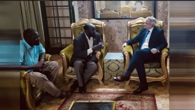 """سفير بريطانيا في السودان: يجب على """"الانتقالي"""" الإفراج فورا عن ياسر عرمان ومبارك أردول وخميس جلاب"""