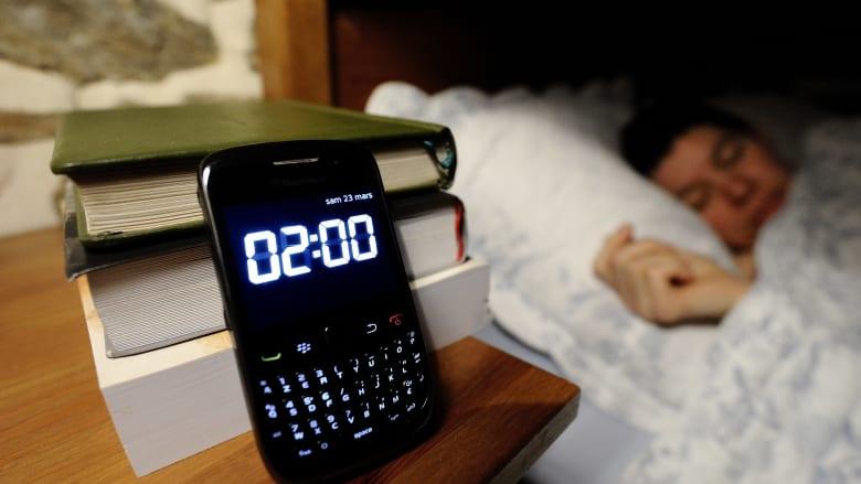 الهواتف الذكية تؤثر على نمط نومك..تجنبها بهذه الطرق