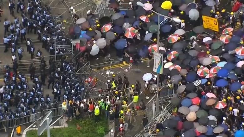 بدأت بمليون متظاهر.. احتجاجات متواصلة في هونغ كونغ ضد الصين