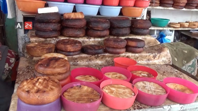 كيف يُصنع الجبن البلدي المميز في تعز باليمن؟