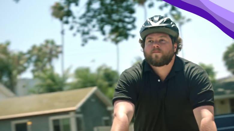 فقد بصره بعمر الـ14.. إليك أفضل سائق دراجات جبلية أعمى