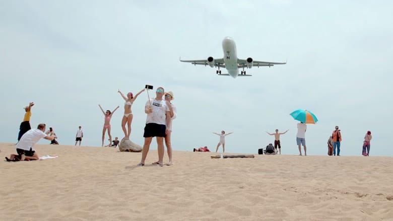 طائرات تحلق فوقك على الشاطئ.. تجربة جديدة في ماي خاو