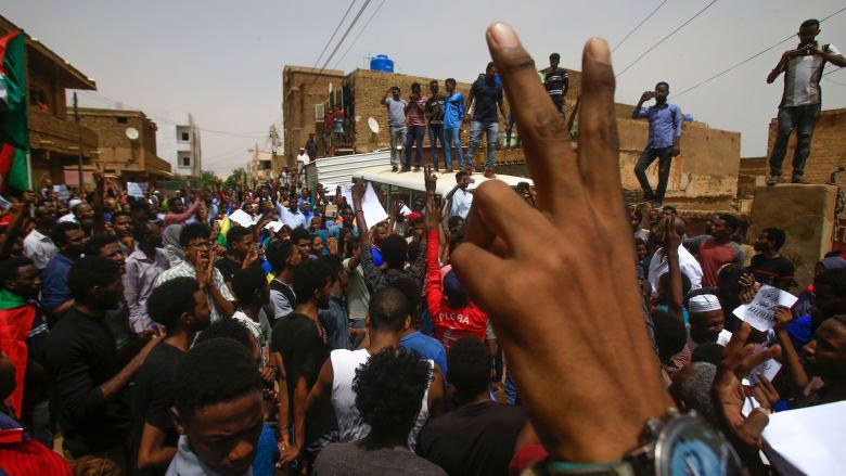 """سقوط قتيل في أكبر احتجاج يشهده السودان منذ """"مظاهرات 3 يونيو"""""""
