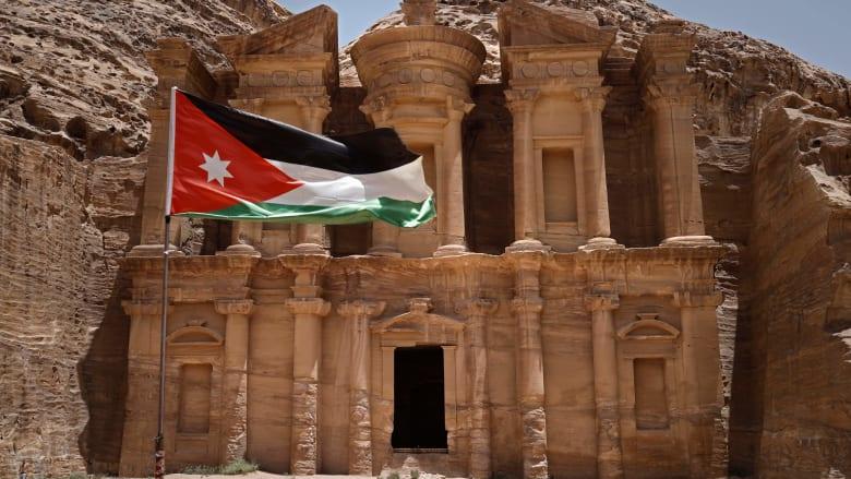 كازاخستان تعتذر للأردن بعد الاعتداء على عمال.. وعمّان تطالب بتحقيق