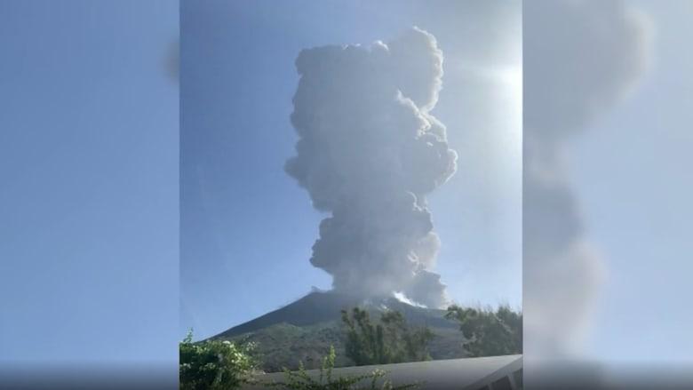 شاهد.. لحظة ثوران بركان سترومبولي في إيطاليا