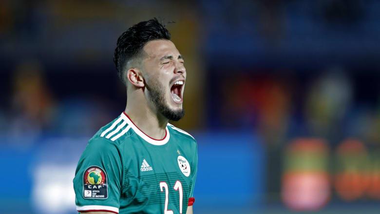 """""""محاربو الصحراء"""" يواصلون المشوار.. الجزائر في نصف نهائي أفريقيا"""