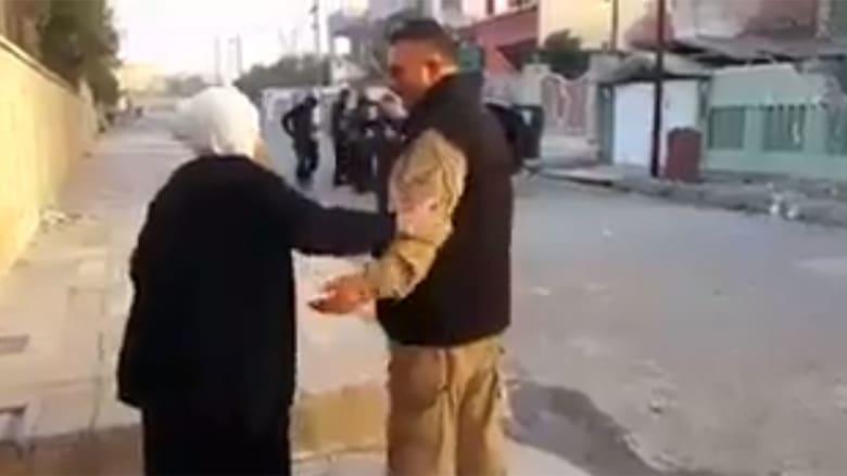 من مسنّة عراقية ترقص إلى تحية كاظم الساهر.. جيش أمريكا ينشر مقاطع فيديو بذكرى تحرير الموصل