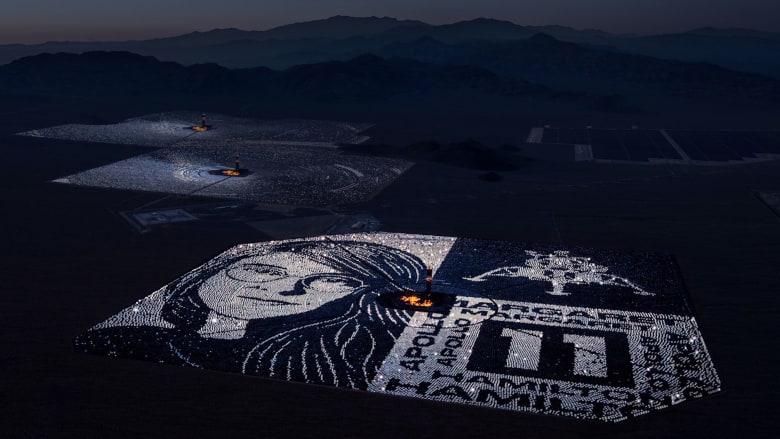 """""""انعكاس ضوء القمر"""".. لوحة من آلاف المرايا تكريما لمهندسة أبولو 11"""