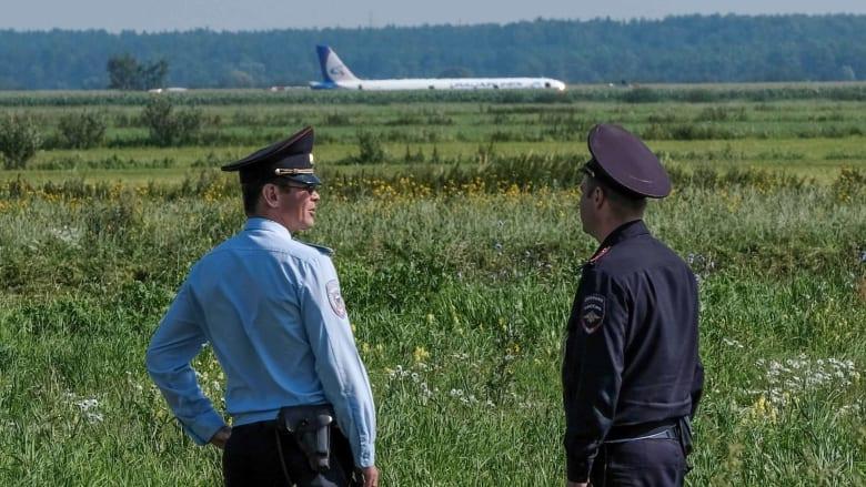 هبوط اضطراري لطائرة روسية بحقل بعد اصطدامها بسرب من النوارس