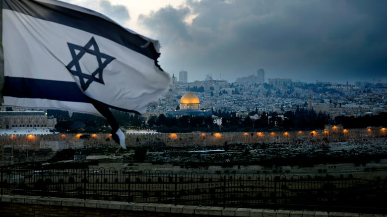 """نقاش بين إعلامي سعودي وغادة عويس حول """"إسرائيلية المسيح"""".. وعودة اليهود إلى """"خيبر"""""""