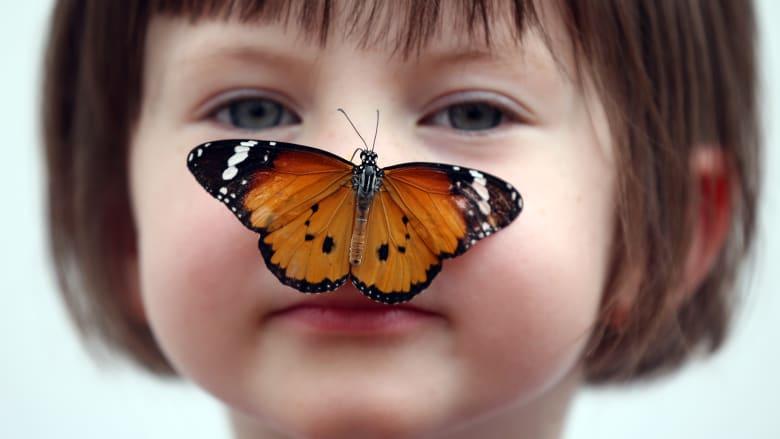 5 طرق لبناء الثقة لدى طفلتك