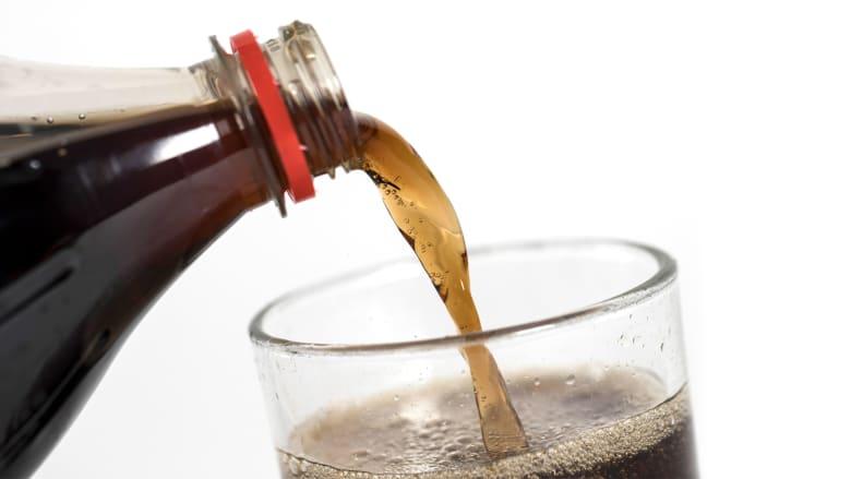 دراسة: فكر مرتين قبل تناول المشروبات الغازية