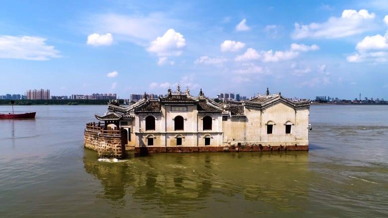 بعيداً عن سورها العظيم.. إليك أعجوبة معمارية أخرى من الصين