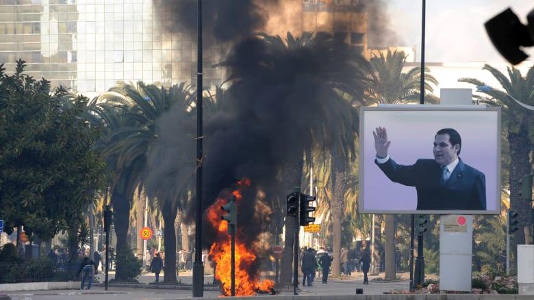 وفاة بن علي.. رئيس تونس الأسبق من الاستبداد إلى الهرب