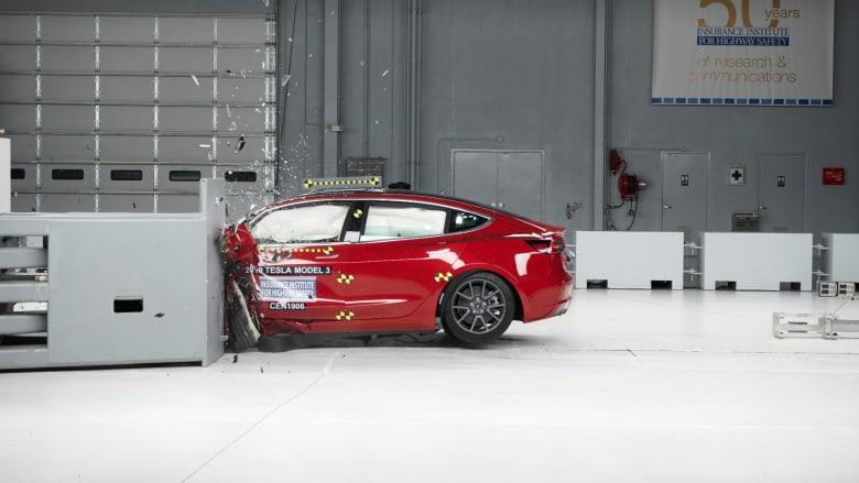 سيارة تسلا 3 تفوز بأعلى جائزة في اختبارات السلامة الأمريكية