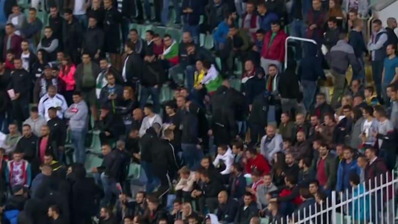 صيحات عنصرية تتسبب في إيقاف مباراة انجلترا وبلغاريا مرتين