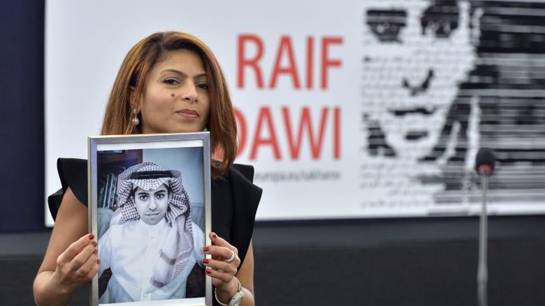 """""""ابن"""" المدون السعودي المسجون رائف بدوي يوجه رسالة لمحمد بن سلمان"""