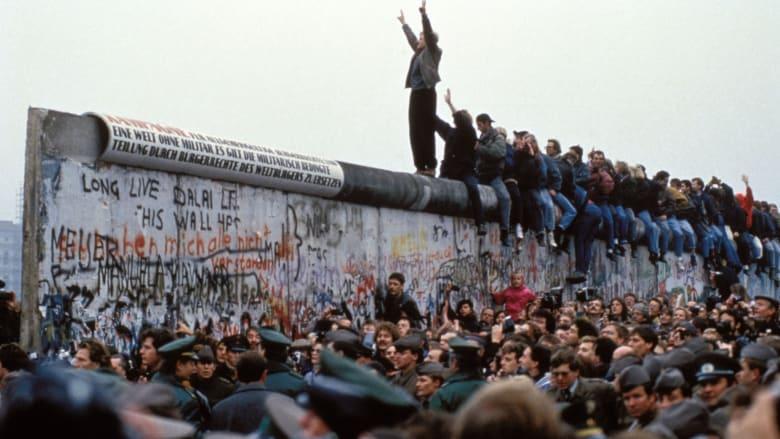جدار برلين.. أسباب إنشائه وكيف تم هدمه؟