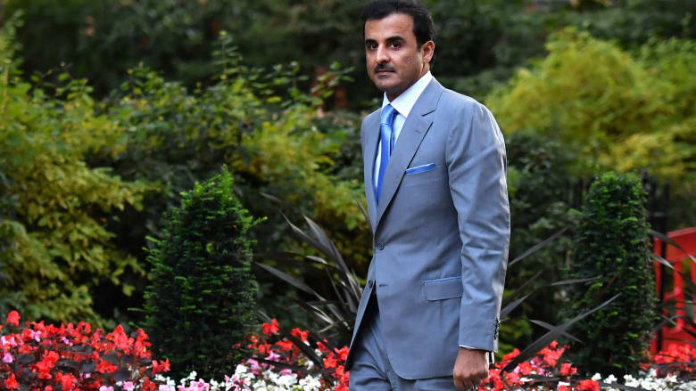 صورة لأمير قطر في داونينغ ستريت بلندن في سبتمبر الماضي