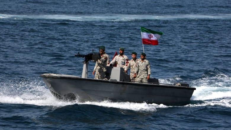 إيران تُحذر من التجسس على مناورات خليج عُمان: سنستهدف أي قطعة بحرية أو طائرة تدخل للمنطقة
