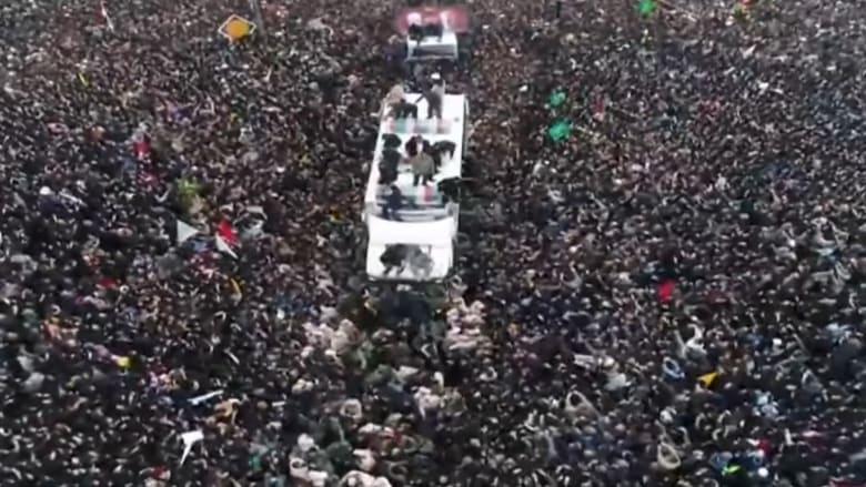آلاف المشيعين لسليماني والمهندس في مدينة مشهد الإيرانية
