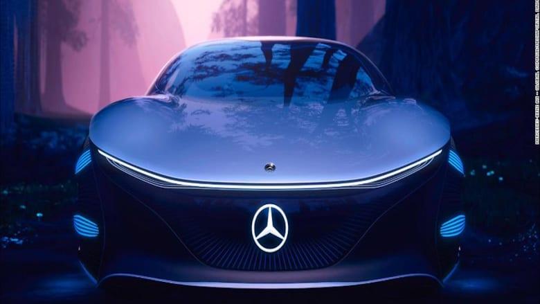 """سيارة """"مرسيدس بنز"""" دون عجلة قيادة.. هل نقودها في المستقبل؟"""