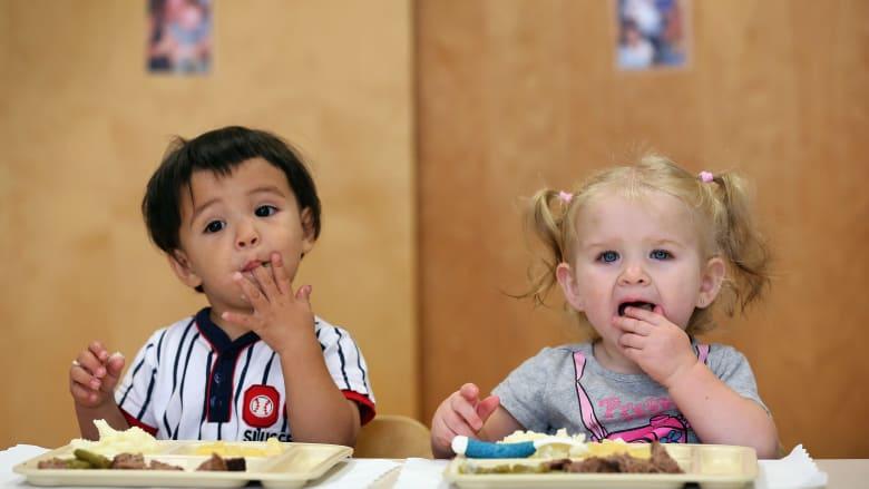 نصائح لجعل أطفالك يتناولون الطعام الصحي