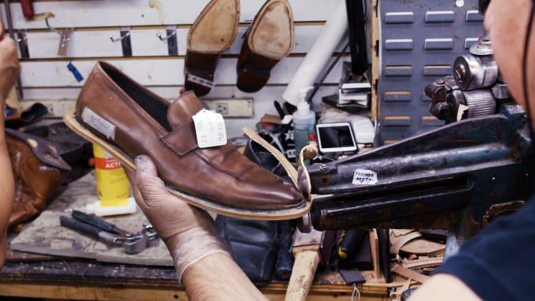 كيف يبدو أقدم محل لتصليح الأحذية في نيويورك؟