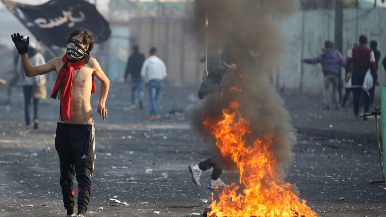 """بعد خلاف حول أرقام قتلى التظاهرات.. اشتباك كلامي بين مذيع ومُتحدث الجيش العراقي ينتهى بـ""""تأدب يا بوق السلطة"""""""