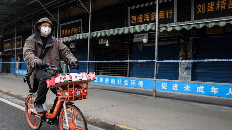 """الصين: فيروس """"ووهان"""" يمكن أن ينتقل بين الناس الآن"""