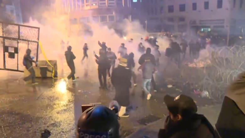 اشتباكات عنيفة وسط بيروت بين محتجين وقوات الأمن