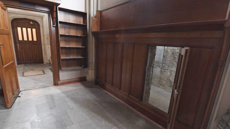 تعرف على مدخل سري يعود للقرن الـ17 أسفل برلمان بريطانيا