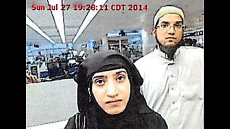 سيد رضوان فاروق وزوجته تاشفين مالك في مطار أوهير
