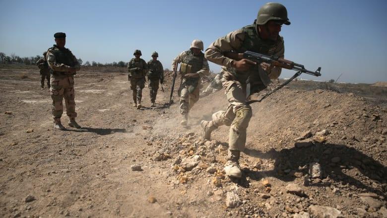 إصابة 11 على الأقل في هجوم صاروخي على قاعدة التاجي بالعراق
