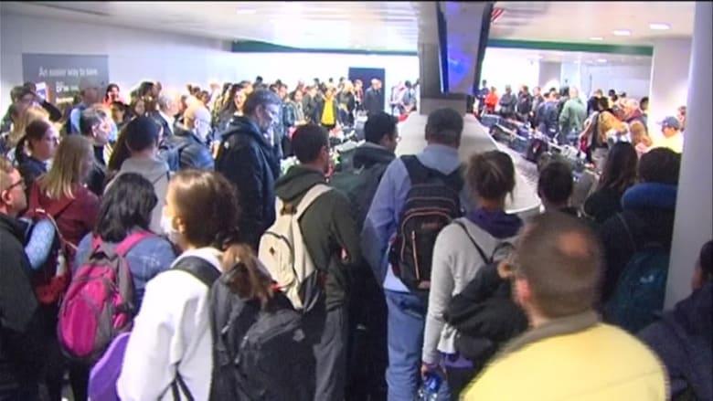 فوضى في مطارات الولايات المتحدة بعد حظر السفر الناجم عن فيروس كورونا