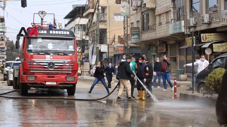 سوريون يسابقون الزمن ضد كورونا.. تنظيف وتعقيم لشوارع القامشلي