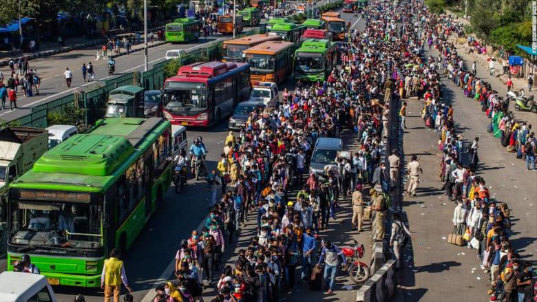 كورونا: مشاهد فوضى في الهند ومحاولات مغادرة المدن الكبرى