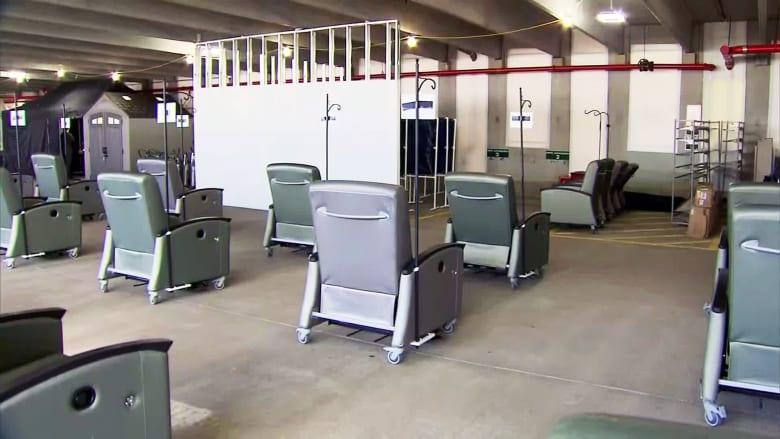 مستشفيات تلجأ إلى أساليب إبداعية لمواجهة عجز معدات رعاية مرضى كورونا
