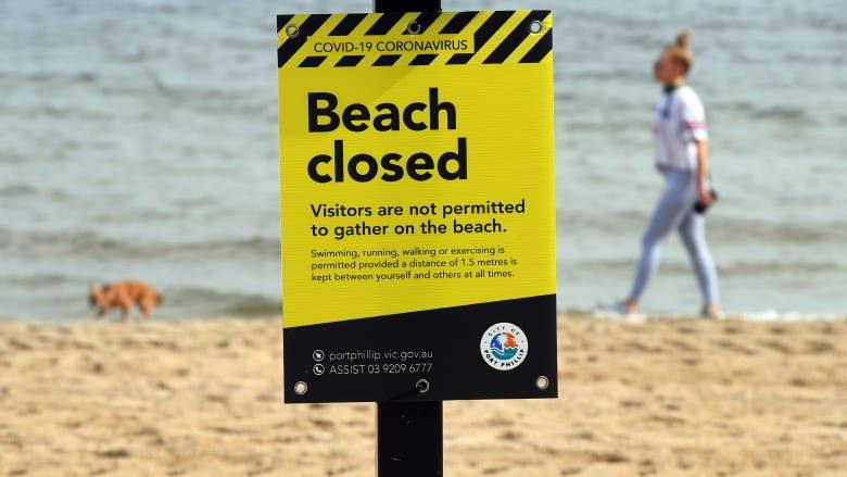 فيروس كورونا يفرغ الشواطئ من السياح في أستراليا