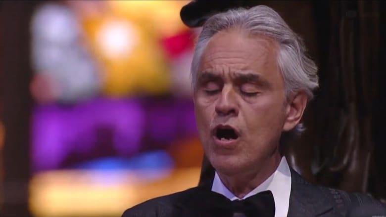 أندريا بوتشيلي يغني وحيداً في كاتدرائية ميلانو بمناسبة عيد الفصح