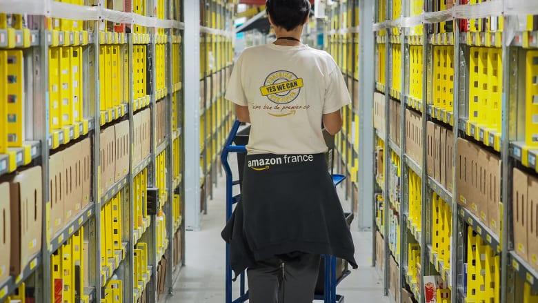 بعد شكاو حول تعريض حياة العمال للخطر.. أمازون تغلق مراكز توزيعها في فرنسا