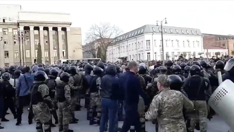 """فلاديمير بوتين يواجه فيروس كورونا بروسيا وسط مطالبات بعدم """"الخداع"""""""