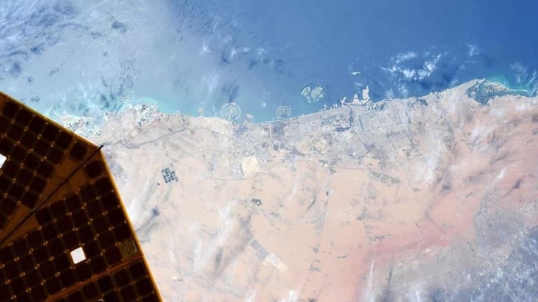 دبي من الفضاء.. رائد فضاء من كالة ناسا يلتقط صورة رائعة لمدينة دبي من محطة الفضاء الدولية